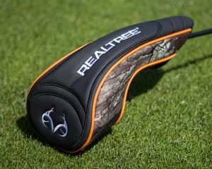 Picture of Realtree Headcover that comes with the driver.